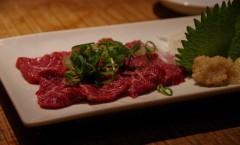 居酒屋の肉